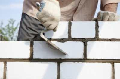 Тонкости возведения кирпичных стен